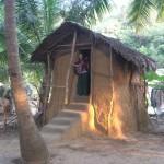 Die Lehmhütte, die keine war - alles aus getrockneter Kugscheiße