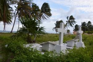Sogar der Friedhof auf Caye Caulker hat Meerblick