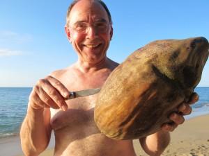 IHR Vater mit der urigen Kokosnuss