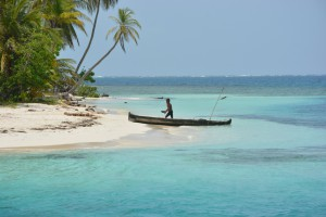 Ein Einheimischer auf seinem Boot